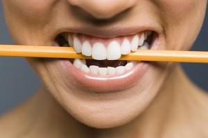 Bleistift gegen Kopfschmerzen: Fakt oder Mythos?